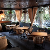 The Gerorgian restaurant «Gostidze» in Sochi on Sovetskaya street 65 — summer terrace